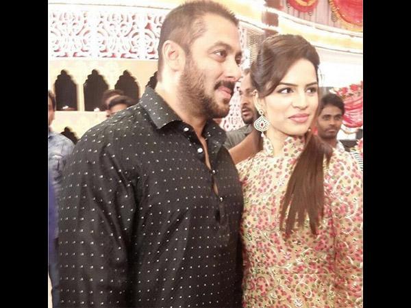 Alia with Salman 01