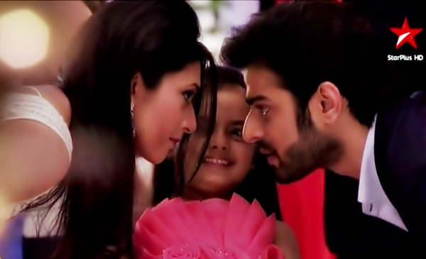 Yeh Hai Mohabbatein 15th June 2016