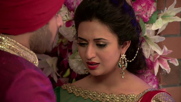 Yeh Hai Mohabbatein 28th December 2015