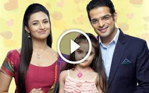 Yeh Hai Mohabbatein 1st January 2016