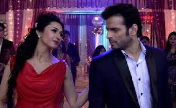 Yeh Hai Mohabbatein 4th May 2016