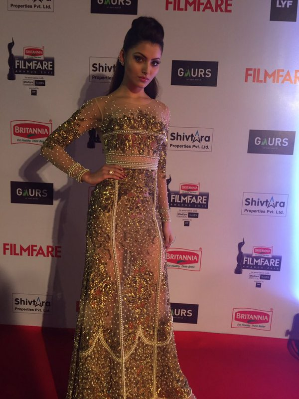 Urvashi Rautela enters in a golden outfit