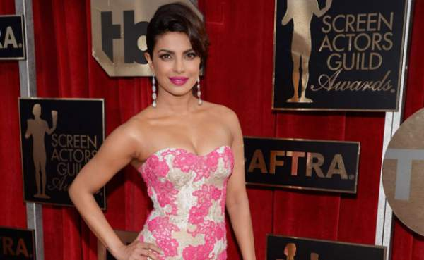 Priyanka Chopra Turns Presenter for Oscars 2016