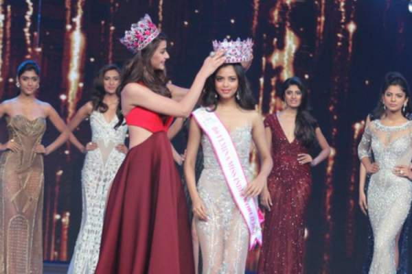 Miss India 2016 Winner Aditi Arya, crowned Priyadarshini Chatterjee