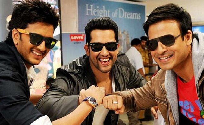 Great Grand Masti 2nd Day Collection 2 Days GGM 2nd Saturday Box Office
