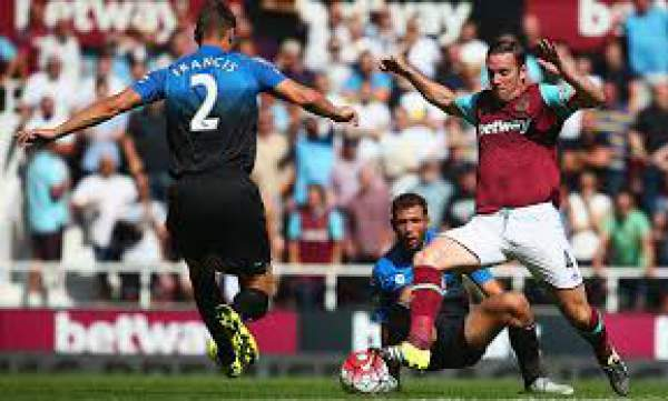 West Ham striker Andy Carroll out for up to six weeks