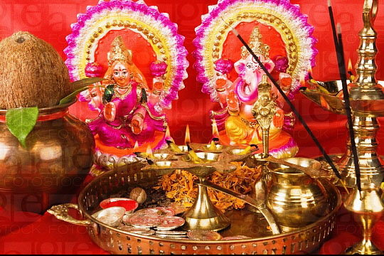 Laxmi Puja 2018 Muhurat Timings, Pooja Vidhi, Mantra, Songs