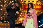Bigg Boss 10 19th Nov 2016 Day 34 Episode: Mouni Roy joins Salman Khan; Om Swami Cries