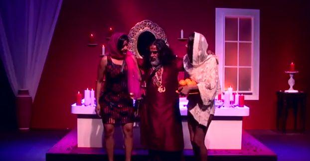 Baba ji romance - Bigg Boss 10 22nd Nov 2016 Episode