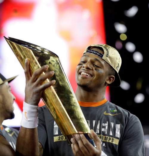 Deshaun Watson: Vince Young Was Running Through My Mind in Alabama vs Clemson (National Championship); Intend To Enter 2017 Draft With Mike Williams & 2 Others