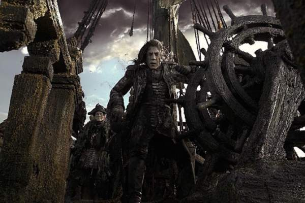 Pirates of the Caribbean 5 Release Date, Trailer, Star Cast, Plot, Images, News, Updates, Rumors
